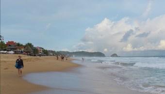 Foto: Playas de Oaxaca son aptas para uso recreativo, 15 de abril 2019. Twitter @GobOax