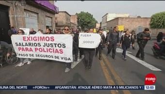Policías de Michoacán protestan por mejores condiciones de trabajo