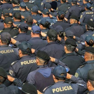 Suspenden a policías que escoltaron a cuentahabiente y que aun así fue asaltado