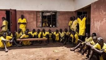 Presidente de Uganda busca prohibir el sexo oral en su país