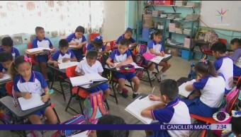 SEP defiende aprobar primero y segundo de primaria con asistencia