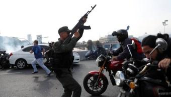 Fotos: Así ocurre el levantamiento militar en Venezuela