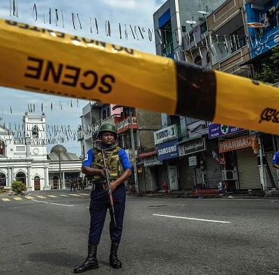 Piden renuncia de jefes de Defensa y Policía de Sri Lanka tras atentados