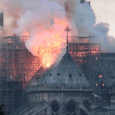 México lamenta incendio en catedral de Notre Dame, ofrece apoyar su reconstrucción