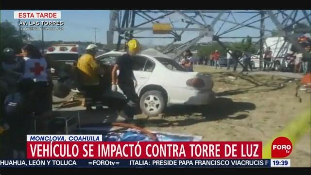 FOTO: Vehículo se impacta contra torre de luz en Coahuila; hay 2 heridos, 20 ABRIL 2019