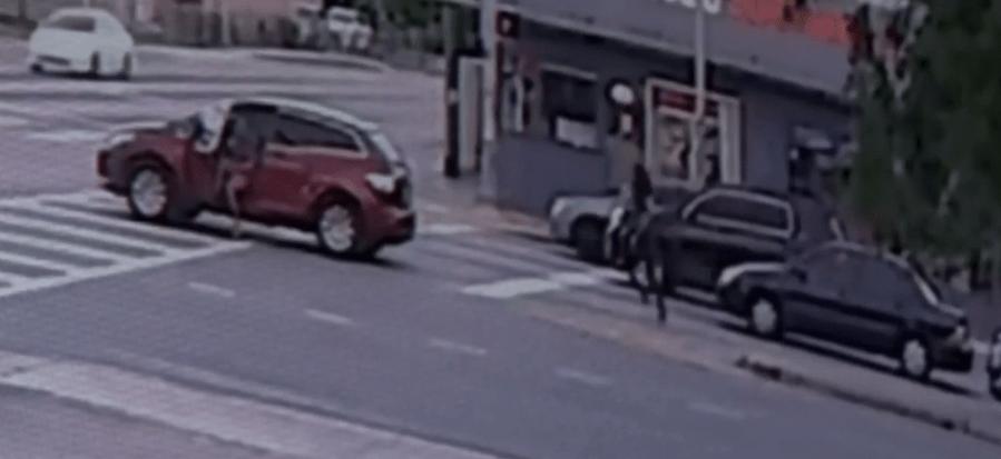 FOTO VIDEO: Momento en que Pablo Lyle golpea a hombre en Miami (FOROtv abril 2019)