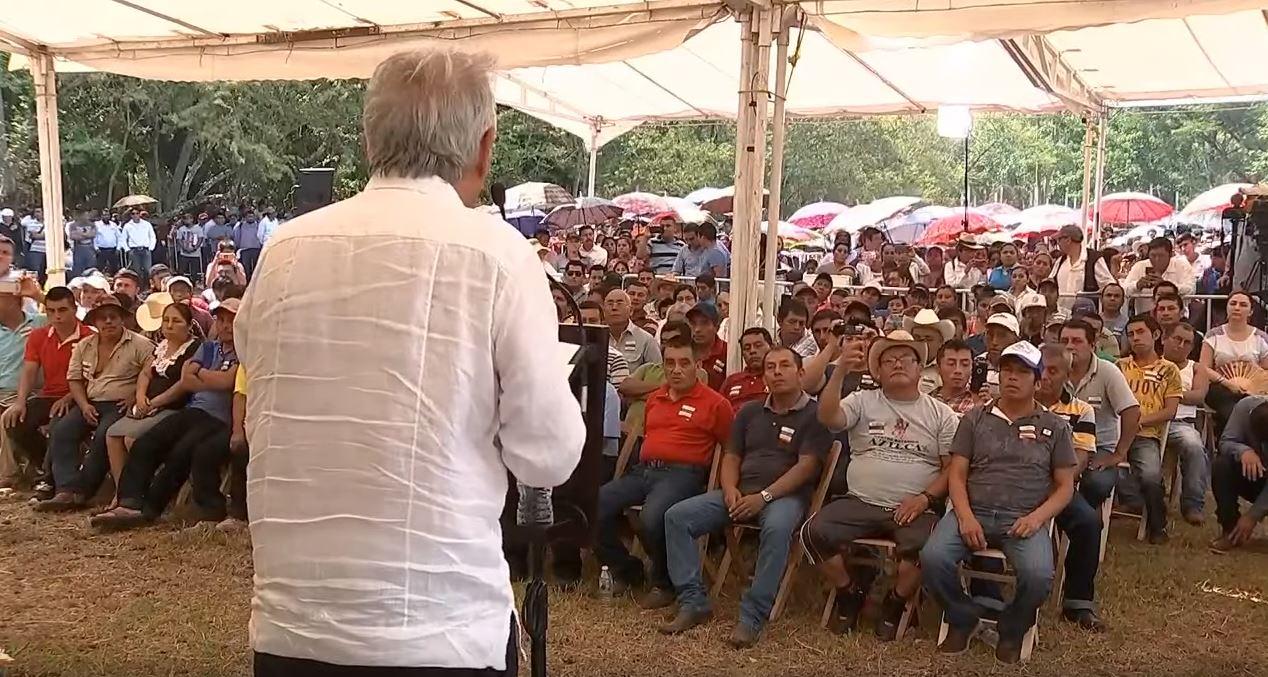 Foto: AMLO llama a los mexicanos a aprovechar los apoyos y no perder el tiempo en la hamaca, el 18 de mayo de 2019 (Notimex)