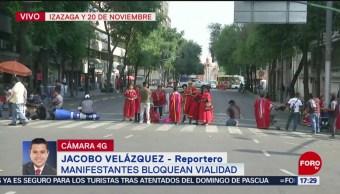 Foto: Artesanos indígenas bloquean vialidades del Centro Histórico