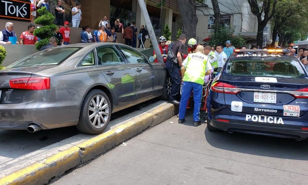 Foto: Mujer muere arrollada por vehículo de la embajada de Guatemala en México, mayo 25 de 2019 (Twitter: @el_isra_mtz)