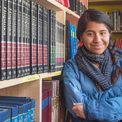 Alumna de la UNAM crea biblioteca comunitaria en la Sierra Mixe de Oaxaca