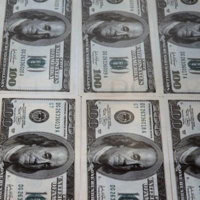 Dólar se vende en 19.56 pesos este martes en CDMX