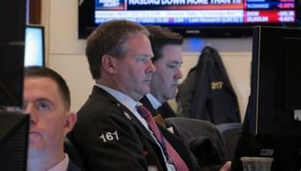 Foto: Los comerciantes trabajan en el piso de la NYSE en Nueva York, mayo 21 de 2019 (Reuters)