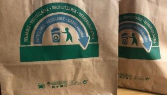 Foto: Algunas tiendas usan bolsas de papel en lugar de plástico, 2 mayo 2019