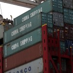 Foto: Se descarga un contenedor de China en el Puerto de Oakland, California, mayo 5 de 2019 (Getty Images)