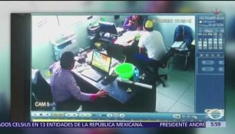 Delincuentes asaltan a empresario en Xonacatlán, Toluca