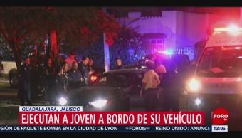 Ejecutan a joven a bordo de su auto en Guadalajara, Jalisco