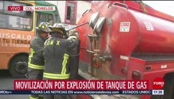 FOTO: Explosión de tanque de gas moviliza cuerpos de emergencia
