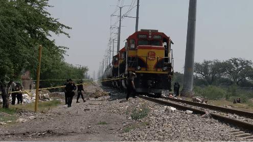 Foto: Vecinos de la colonia Carmen Romano en San Nicolás, Nuevo León, intentaron robar Diésel de un tren, 2 mayo 2019