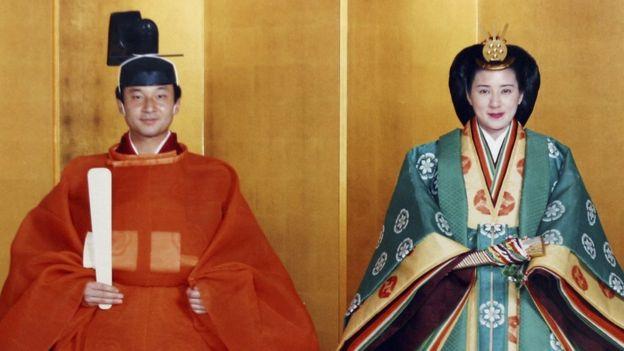 Fotografía del casamiento de Naruhito, hijo del antiguo emperador Akihito, con la princesa Masako en 1993 (GettyImages)