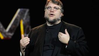 foto Guillermo del Toro pagará boletos de avión a equipo mexicano de matemáticas 7 de enero de 2013