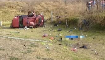Siete muertos deja volcadura de camioneta en carretera Salamanca-León