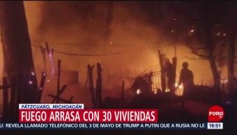 FOTO: Incendio arrasa con 30 viviendas de lámina en Michoacán, 11 MAYO 2019