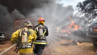Foto: combate de incendio en una pensión de autos en Guanajuato, 24 de mayo 2019. Twitter @GuanajuatoGob
