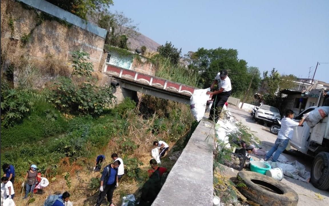 Foto: limpieza en el río ajolotero, en Guerrero, 19 de mayo 2019. Twitter @Gob_Guerrero