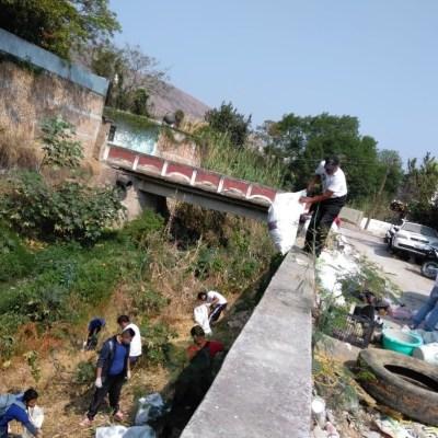 Limpian ríos y barrancas para evitar inundaciones por lluvias en Guerrero