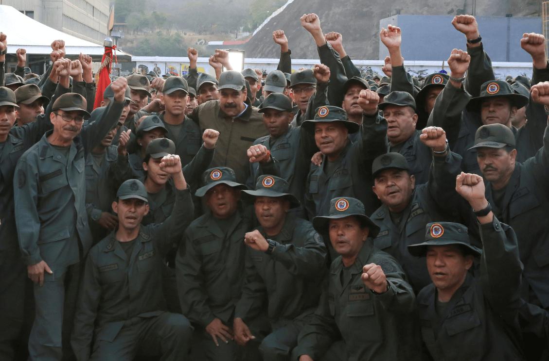Foto: Maduro posa con militares en Venezuela, 2 de mayo de 2019, Caracas