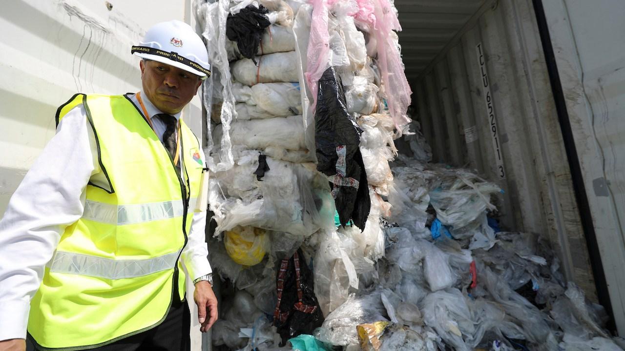 Basura-plastica-Malasia-basura-contaminada-contaminacion