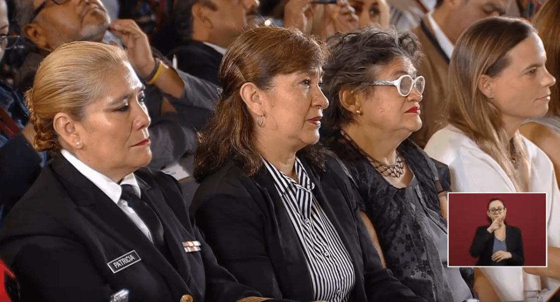 Foto: Mamás presentes en conferencia de prensa de AMLO, 10 de mayo de 2019, Ciudad de México