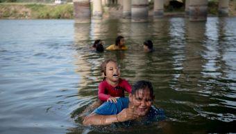 Foto: Suman cuatro menores migrantes muertos en el Río Bravo, 6 de mayo 2019. (AP)