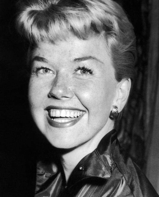 FOTO Muere Doris Day, estrella de Hollywood, a los 97 años (AP, 1955)