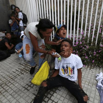 Mueren dos adolescentes durante protestas en Venezuela