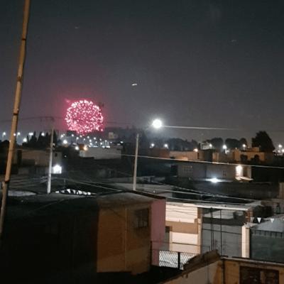 Celebran fiesta religiosa con pirotecnia, pese a contingencia ambiental