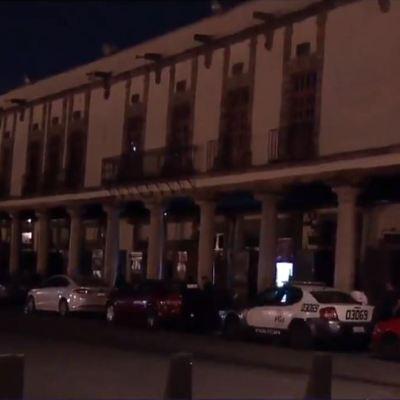 Detienen a presuntos integrantes de Unión Tepito en Plaza de Santo Domingo