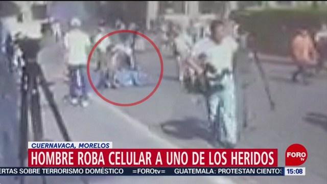 Foto: Roban celular a uno de los heridos de balacera en Cuernavaca