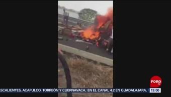 FOTO: Salvan a conductor de tráiler que se incendiaba en Veracruz, 18 MAYO 2019