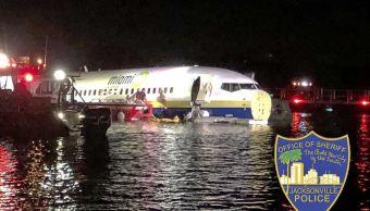 fOTO:Un avión chárter con 143 personas a bordo que viajaba al norte de Florida terminó en el río St. Johns, 4 mayo 2019