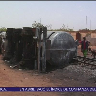Suman 55 muertos por explosión de pipa de gasolina en Níger