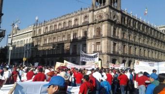 FOTO Zócalo CDMX reúne a sindicatos por Día del Trabajo (S.Servín 1 mayo 2019 cdmx)