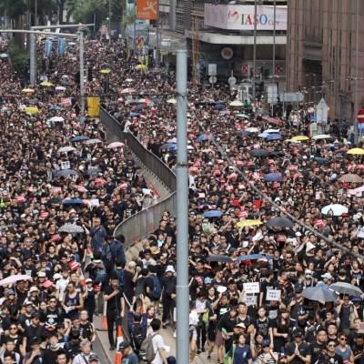 Manifestantes en Hong Kong protestan contra ley de extradición