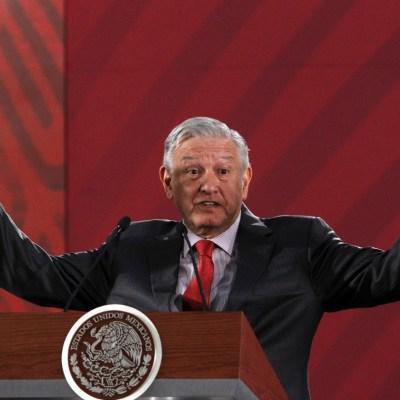 López Obrador defiende derecho a opinar sobre Santa Lucía