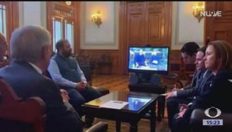 Foto: AMLO habla con Mark Zuckerberg