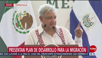 FOTO: AMLO recibe al presidente de El Salvador