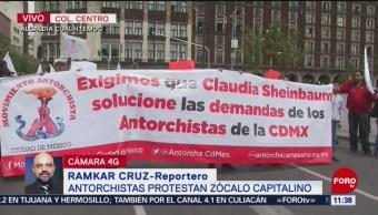 Antorchistas protestan en el Zócalo de la Ciudad de México