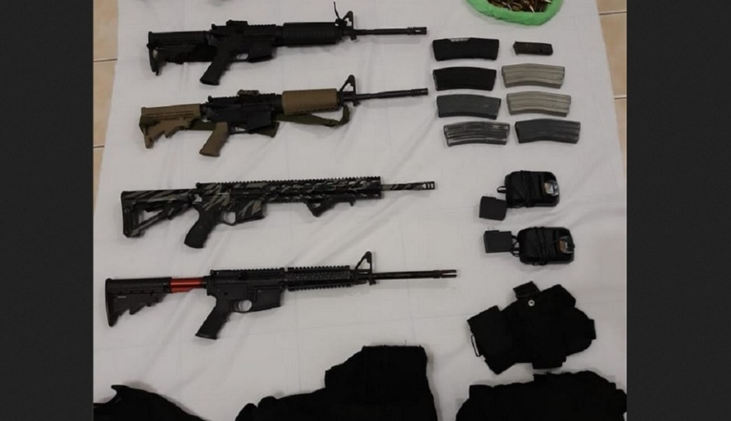 Foto: Armas aseguradas en Pinotepa Nacional, Oaxaca, 12 de junio 2019. Twitter @SSP_GobOax
