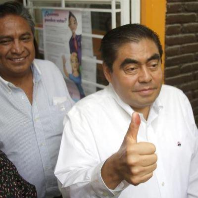 Elecciones 2019: Votan candidatos al gobierno de Puebla