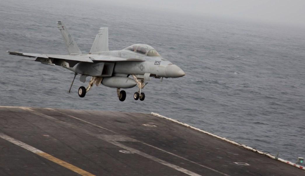 Foto: Caza estadounidense en portaaviones en Medio Oriente., 21 de junio de 2019, Mar Arábigo